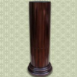 Элемент точеной колонны из красного дерева
